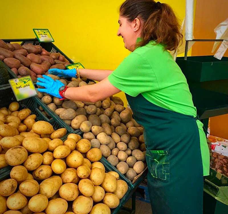 fruttera-vendita al minuto di frutta e verdura