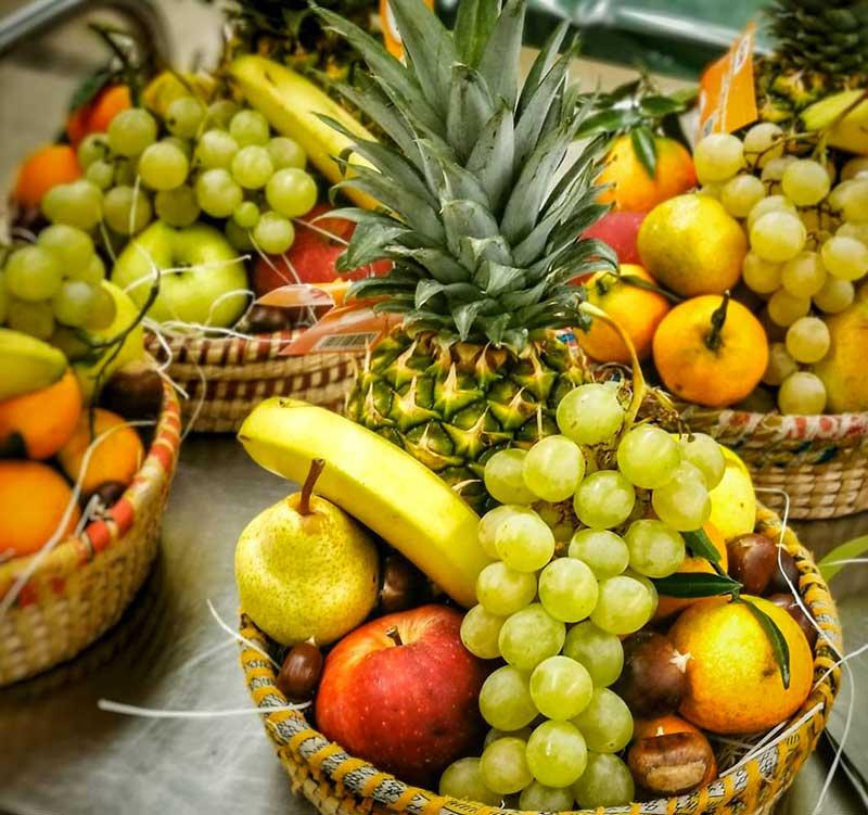 fruttera ceste di frutta e verdura