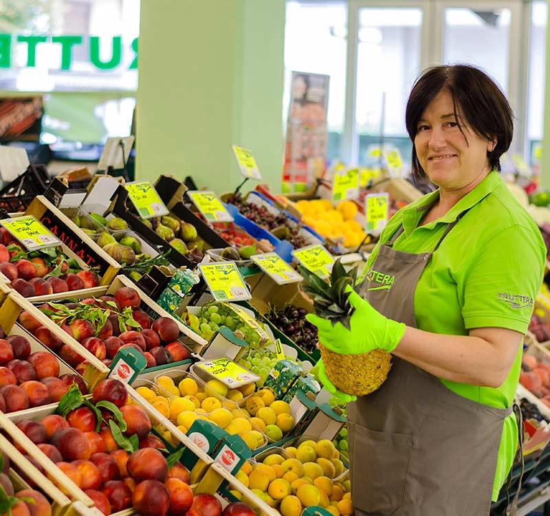 fruttera-vendita al dettaglio di frutta e verdura