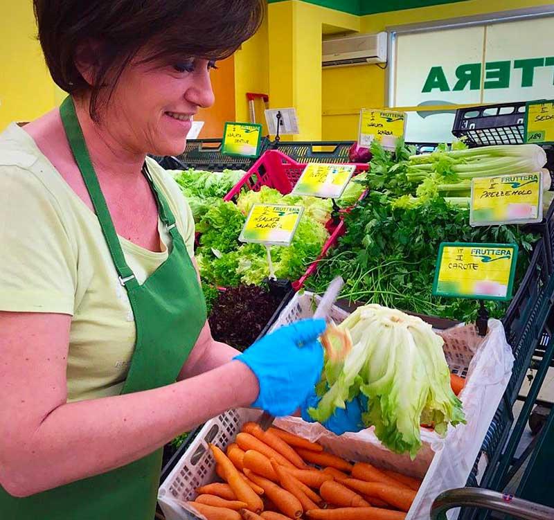fruttera-vendita al dettaglio frutta e verdura